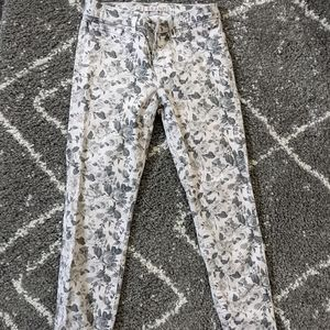❗Sale❗Cropped Floral Print Pants sz:26- EUC